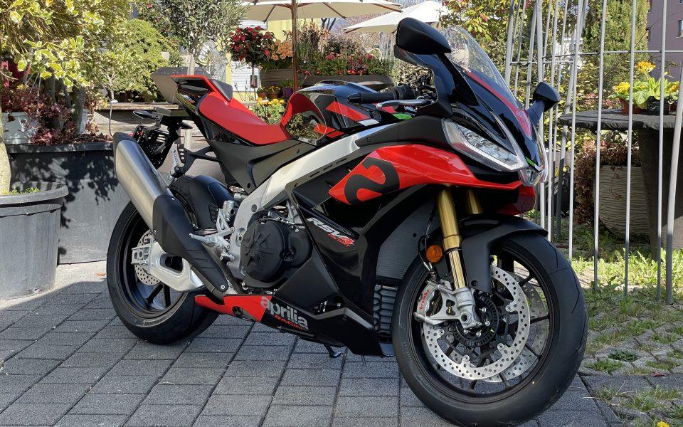 Aprilia RSV4 Factory 1100 2021 E5 by leupimoto