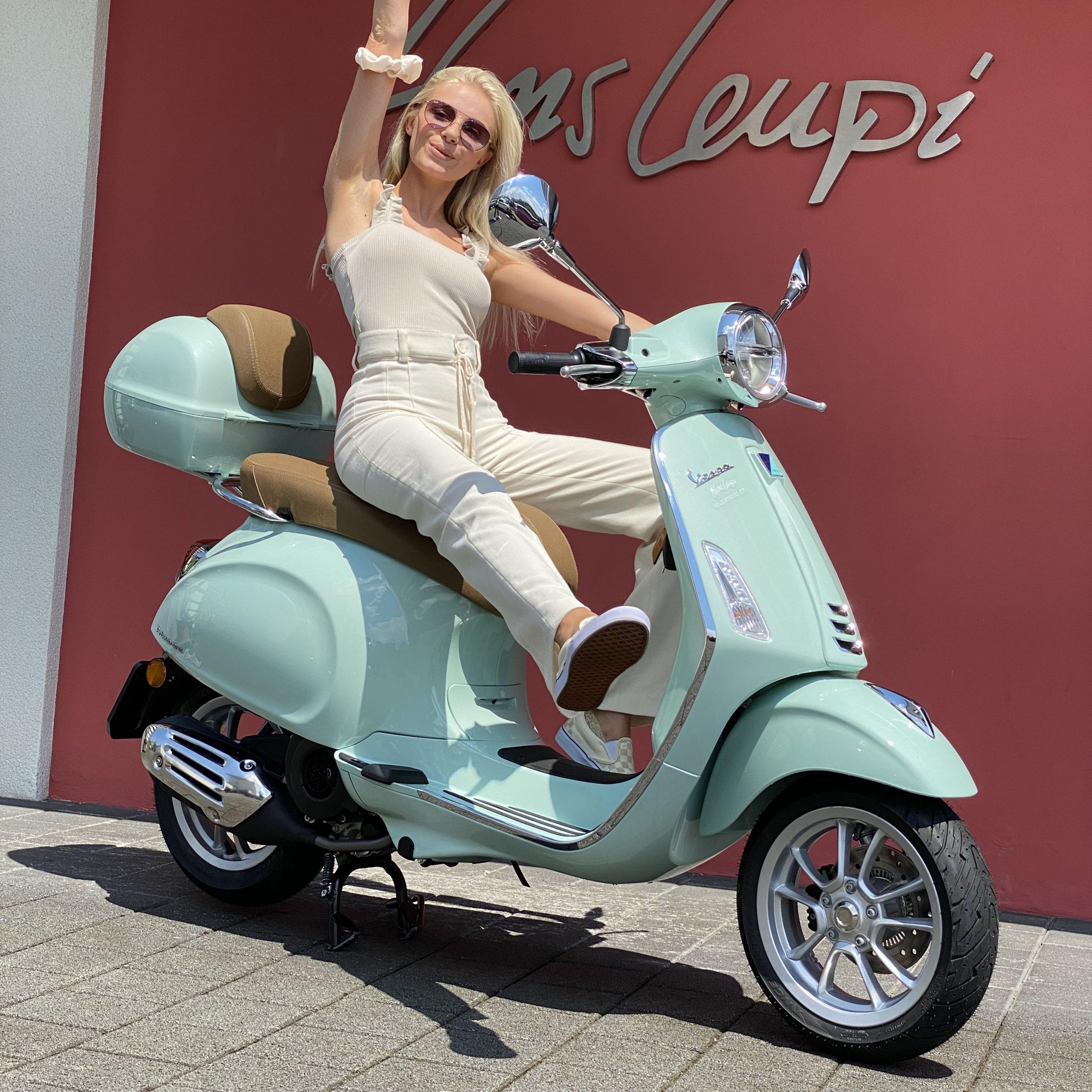 Stella Castelli , Luzern , Influencerin auf ihrer Vespa Primavera 125 , Chiara Castelli , Leupimoto , Vespa Zentralschweiz , Vespa Luzern